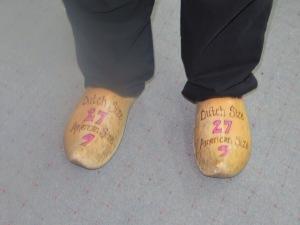 wooden shoes Al