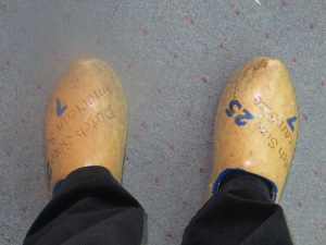 wooden shoes Pauline